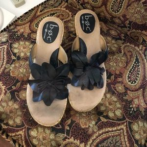 Born Concepts BOC black Flower Wedge Sandals 9